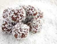 Kuličky s kokosem a ořechy