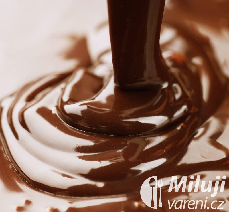 Čokoládová omáčka ze smetany