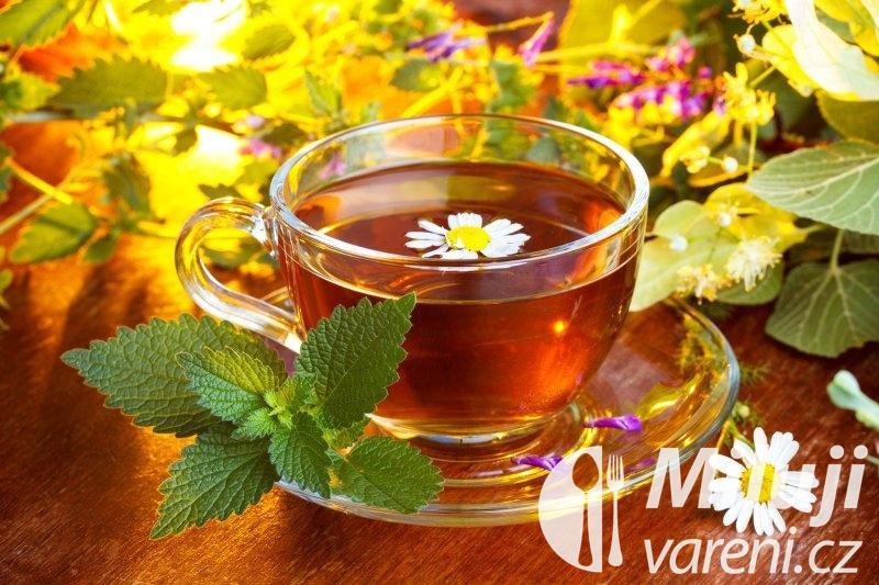 Ořešákový léčivý čaj