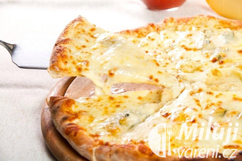 Pizza čtyř sýrů