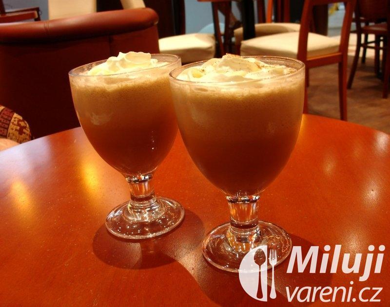 Indická mražená káva