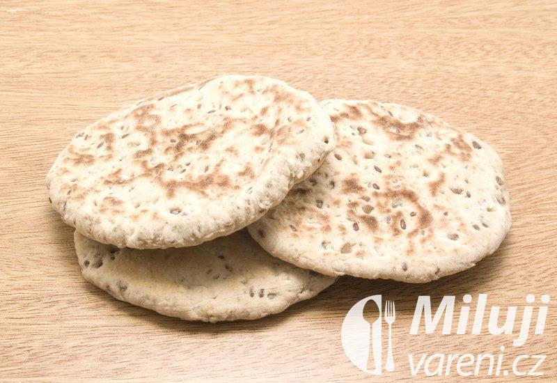 Arabský chléb s tymiánem a sezamem