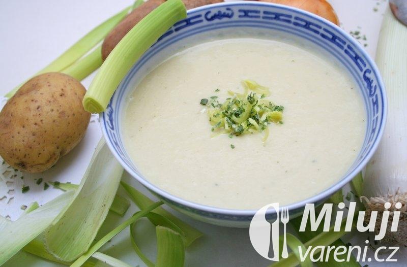 Polévka z pórku a brambor