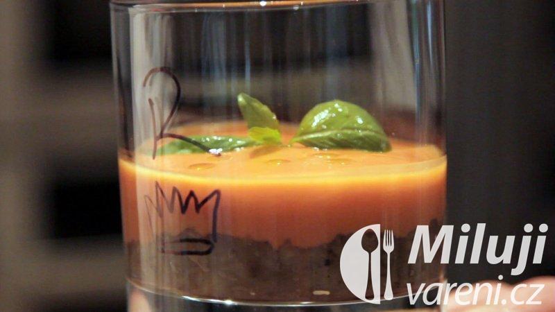 Lilkový kaviár a tomatové gazpacho