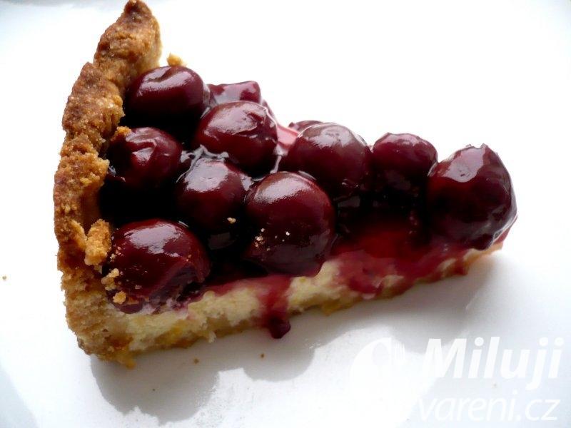 Višňový tvarohový koláč