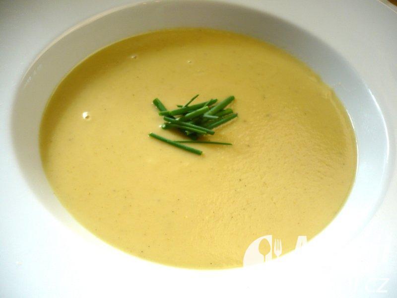 Petrželová polévka s kari