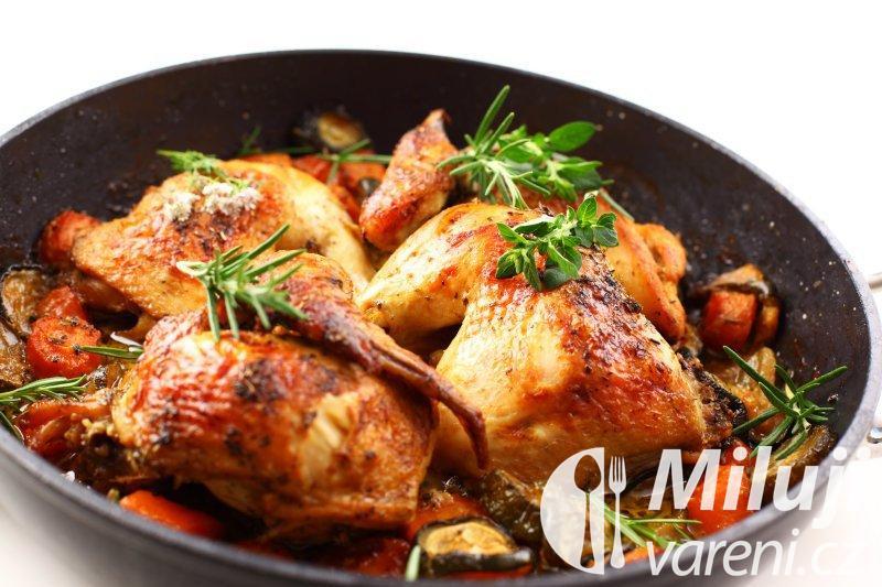 Kuře s majoránkou a zeleninou