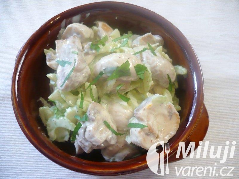 Žampionový salát s jogurtem