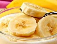 Banánový salát s jogurtem