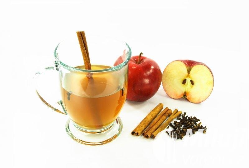 Horký jablečný mošt