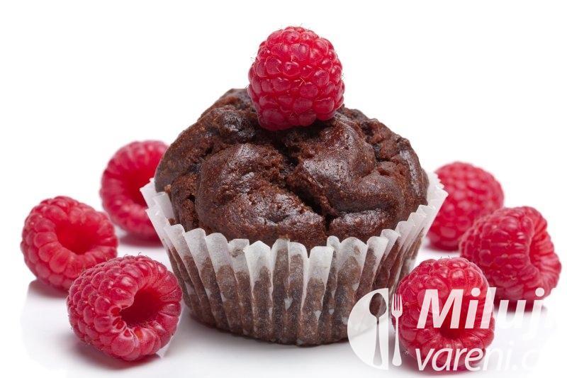 Muffiny s malinami a čokoládou