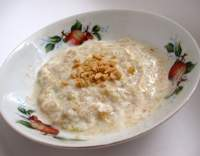 Kořeněný jogurtový krém s arašídy