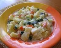 Bramborový salát s cuketou a jogurtem
