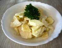 Bramborový salát s celerem a jablky