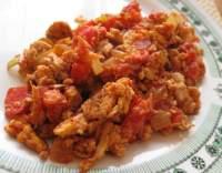 Míchaná vajíčka s rajčaty