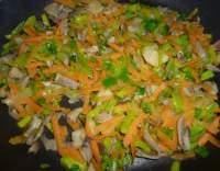 Zapečená hlíva s mrkví a pórkem