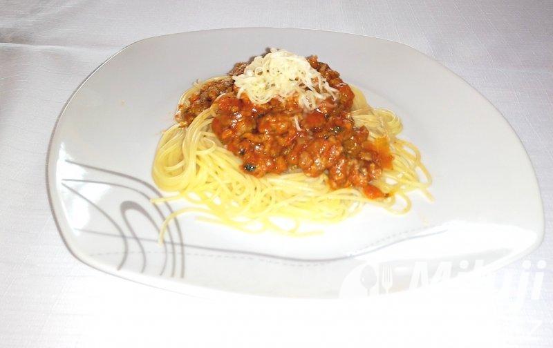 Špagety s boloňskou směsí