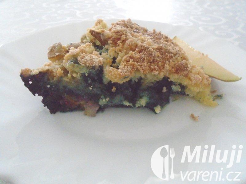 Borůvkový koláč s hruškami a drobenkou