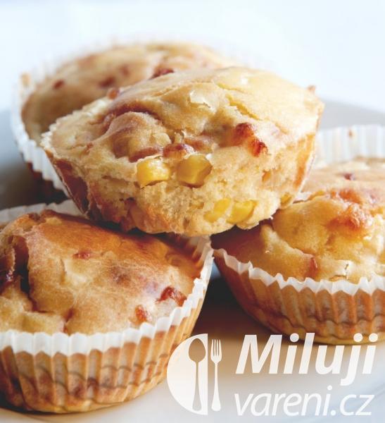 Muffiny s čedarem