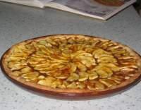 Francouzský jablečný koláč s mandlemi