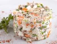 Makedonská směs s majonézou