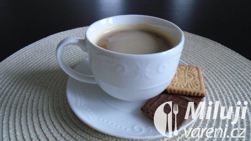 Šlehaná krémová káva