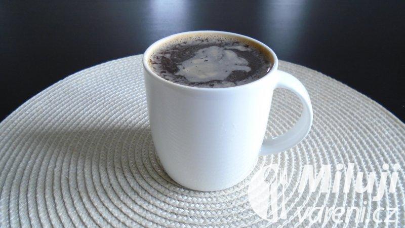 Studená vanilková káva