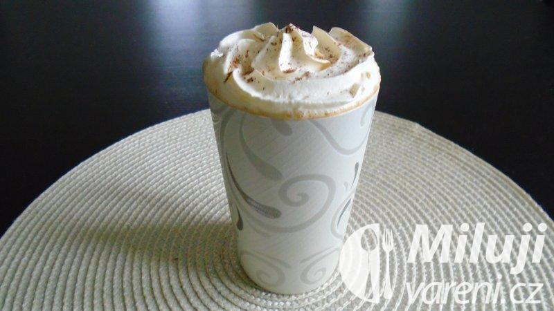 Káva z rumových pralinek