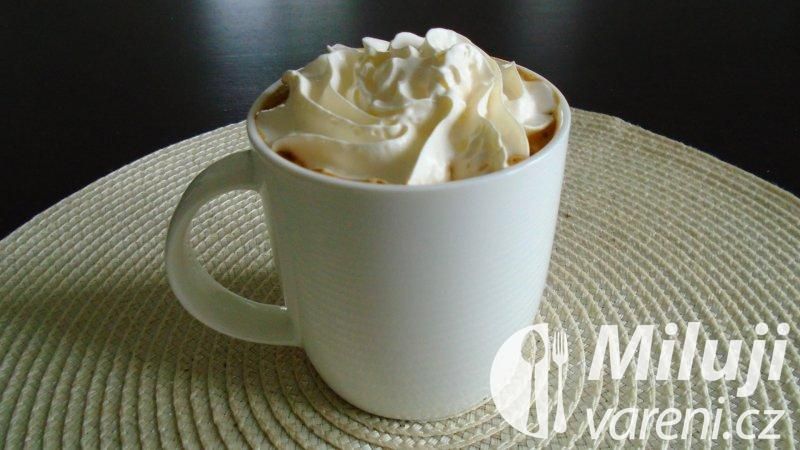 Farizejská káva s rumem
