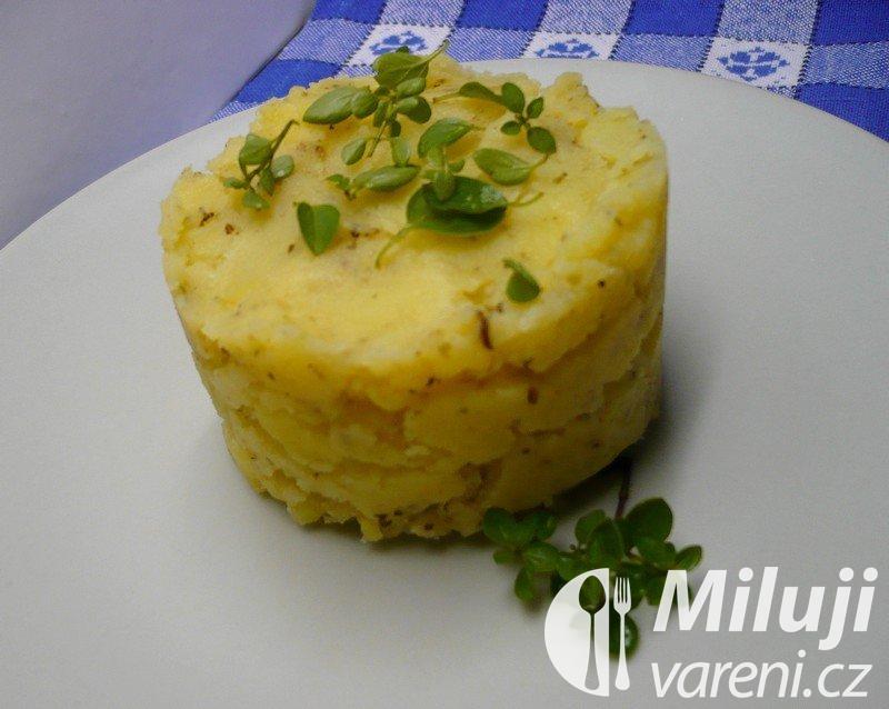 Kořeněné šťouchané brambory