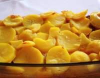 Selské brambory s klobásou