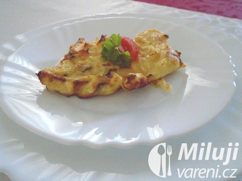 Bramborová kaše zapečená s vejci a šunkou