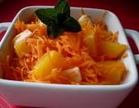 Mrkvový salát s kompotovaným ovocem
