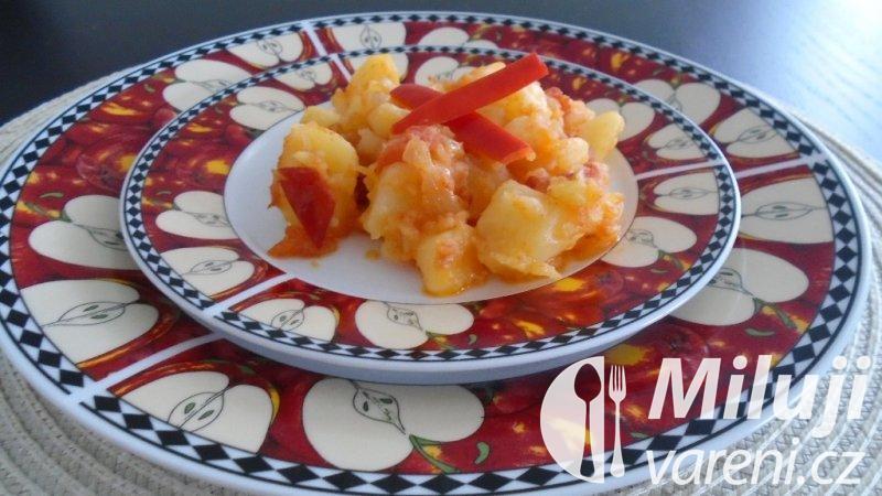 Brambory na rajčatech