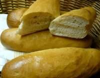 Domácí francouzské bagety z pekárny