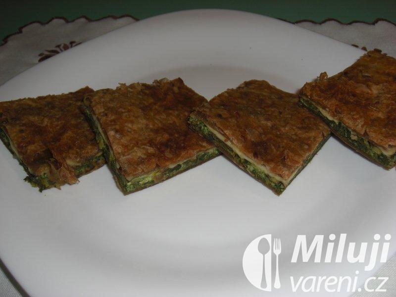 Špenátový koláč z listového těsta