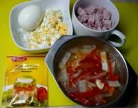 Aspik se zeleninou, šunkou a vejcem