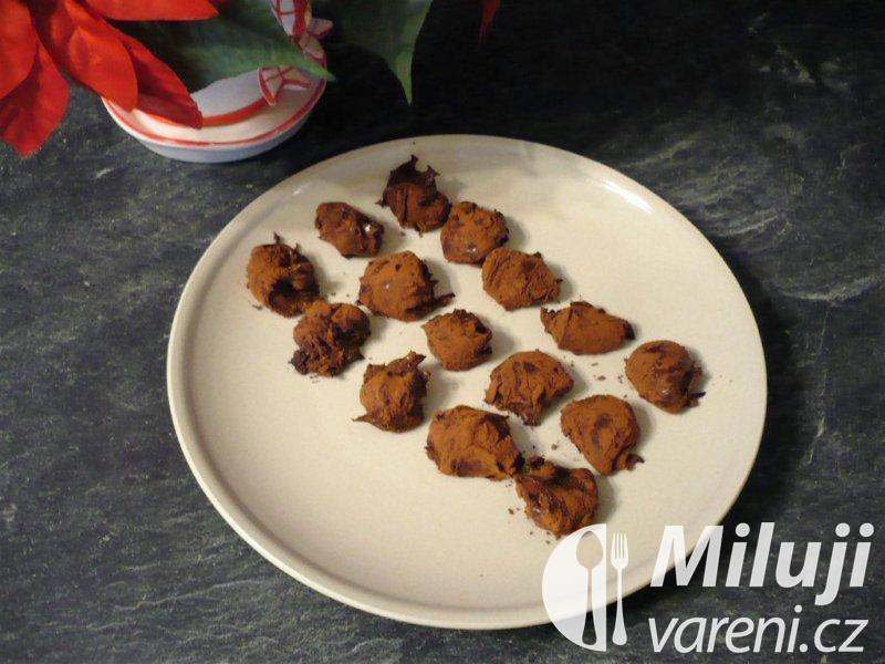 Čokoládové lanýžky s koňakem a chilli kořením