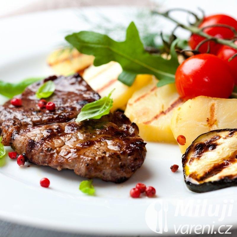Hovězí maso pečené na grilu