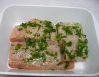 Pečené rybí filé v bylinkové marinádě