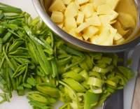 Krémová bramborová polévka s pórkem