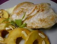 Kuřecí prsíčka na másle s jablky ( minutka )