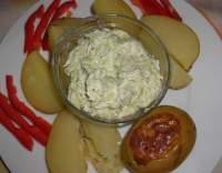 Okurkový česnekový krém k bramborám na loupačku