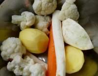 Polévka z vloček a brambor