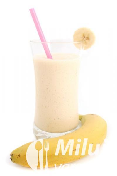 Banánový koktejl z jogurtu