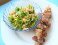 Kuřecí špízy s čočkovým salátem