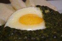 Dušený špenát s vejci
