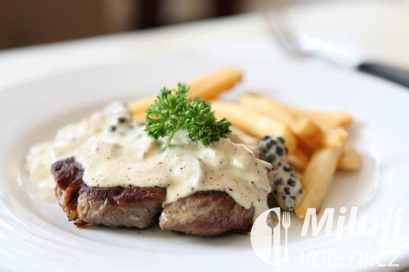 Pepřový steak se smetanovou omáčkou