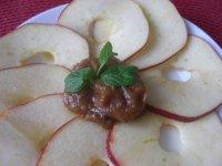 Jablka s datlovým dipem