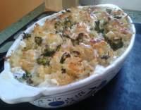 Zapečené těstoviny s masem, brokolicí a smetanou